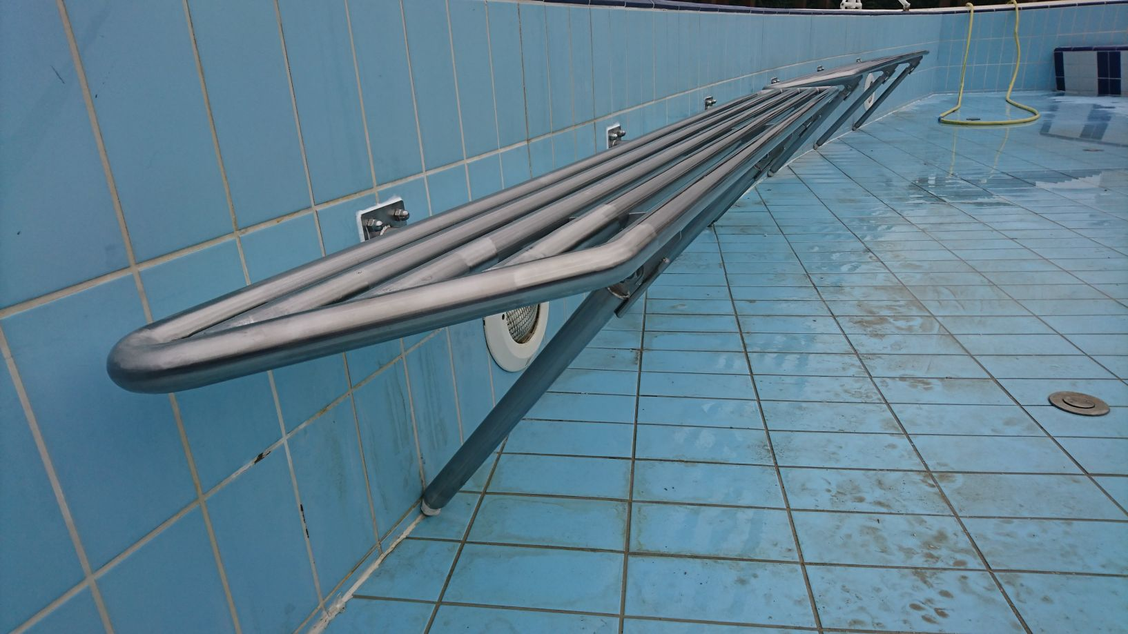 ATInox saválló medence ülőpad
